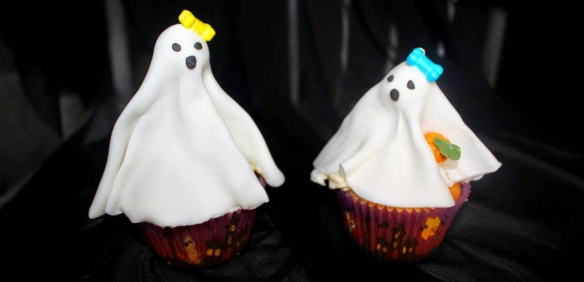 Gory Ghost Cakes